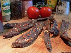 How to make your own delicious spicy biltong chili bites (peri-peri sticks) at home. Easy quick recipe for a South African Favorite! Jerky Dehydrator, Dehydrator Recipes, South African Dishes, South African Recipes, Africa Recipes, Peri Peri Recipes, Jerky Recipes, Oven Recipes, Sauce Recipes