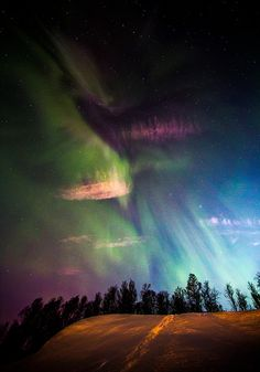 Explosion of #Aurora Borealis #LifeOnEarth Nature Pictures, Cosmos, Beautiful Sky, Beautiful Scenery, Beautiful Places, Lapland Finland, Skylights, Night Lights, Heavens