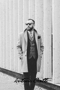 #modabarbati #antoniogatti #paltoanebarbati #paltonlung Camel Coat, Wool Coat, Menswear, Hipster, Coats, Mens Fashion, Black And White, Shopping, Style