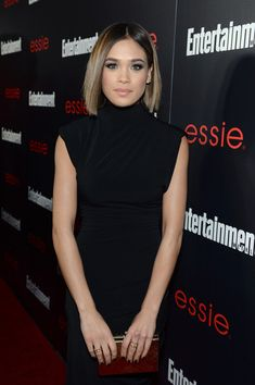 Nicole Gale Anderson Pictures - The Entertainment Weekly Celebration Honoring This Year's SAG Awards Nominees Sponsored By TNT & TBS And essie - Red Carpet - Zimbio Lob Hairstyle, Cute Hairstyles, Short Blonde, Blonde Hair, Hair Inspo, Hair Inspiration, Nicole Gale Anderson, Essie, Cabello Hair