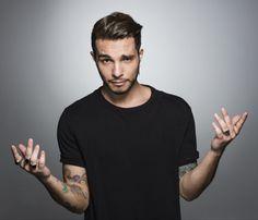 """Arriva il nuovo disco di Marco Carta, """"Tieniti forte"""". Un album che rappresenta un grande cambiamento per il cantante. Ecco gli autori"""