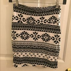 """Printed Bodycon Mini Skirt Printed Bodycon mini skirt , cotton and spandex, machine wash, measures 17"""" from top of the hem - never worn Charlotte Russe Skirts Mini"""