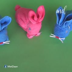 How to make a cute Bunny with a towel and paper 🐰🐰 Teddy Bear Crafts, Diy Teddy Bear, Bunny Crafts, Easter Crafts, Diy Holiday Gifts, Diy Crafts For Gifts, Diy Arts And Crafts, Paper Bunny, Bunny Bunny