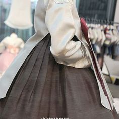 Korean Traditional Clothes, Traditional Outfits, Korean Hanbok, Korean Dress, Dress Outfits, Dresses, Couples, How To Wear, Style