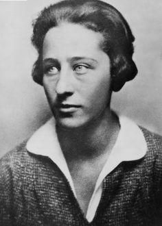 Olga Benário Prestes foi uma jovem militante comunista alemã, de origem judaica, deportada para a Alemanha durante o governo de Getúlio Vargas, onde veio a ser executada pelo regime nazista em campo de extermínio.