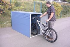 Welkom bij Koppen.be Outdoor Bicycle Storage, Garden Bike Storage, Shed Storage, Bike Storage Narrow, Vertical Bike Storage, Garbage Can Shed, Garage Velo, Bike Locker, Bike Storage Apartment
