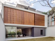 #Casa Lara by Felipe Hess located in Sao Paulo, #Brazil built in 2015 © Ricardo Bassetti #designandlive