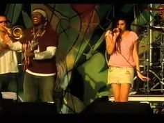 Amy Winehouse - In my Bed - Glastonbury 2004 - what a talent...
