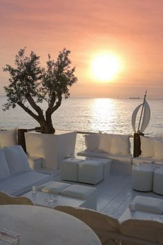 SHARK Bar   Restaurant (Thessaloniki) Key West House, Porches, Honeymoon Places, Beach Shack, Beautiful Places To Travel, Thessaloniki, Stunning View, Island Life, Wanderlust Travel