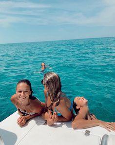 bucket list for best friends bucket list de amigas - bucketlist Cute Friend Pictures, Best Friend Pictures, Friend Pics, Friend Goals, Summer Feeling, Summer Vibes, Boat Pics, Shotting Photo, Lake Pictures