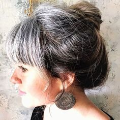 Gray Wigs Lace Frontal Wigs Anti Grey Hair ShampooGray Hair In – Aduatify Grey Hair With Bangs, Grey Hair Don't Care, Long Gray Hair, Silver Grey Hair, Grey Hair Fringe, Low Porosity Hair Products, Hair Porosity, Gray Hair Growing Out, Grow Hair