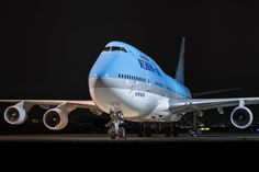 Korean Air Boeing 747-4B5 (registered HL7402) Airbus A380, Boeing 747, Korean Air, Commercial, Airplanes, Travelling, Engine, Aviation, Aircraft