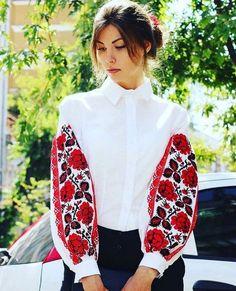 оригинальные вышиванки Ukrainian Dress, Embroidered Clothes, Russian Fashion, Boho Fashion, Ethnic Fashion, Hijab Fashion, Designer Dresses, Lace Beadwork, Traditional Fashion