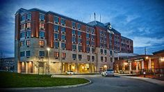 Experience a stylish and relaxing stay at our Guelph, Ontario, hotel. You'll find plush bedding, free Wi-Fi, a fitness center and nearby dining. Dubai Hotel, Hotel Reservations, Home And Away, Business Travel, Ontario, Places Ive Been, Multi Story Building, Tours