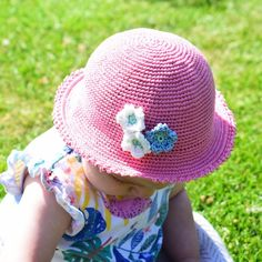 Crocheted Summer Hat Patterns See other ideas and pictures from the category menu…. Crochet Baby Hat Patterns, Crochet Baby Hats, Knit Or Crochet, Crochet For Kids, Crochet Hooks, Baby Knitting, Free Crochet, Knitted Hats, Crochet Summer Hats