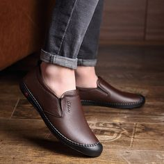 Men Hand Stitching Leather Anti-collision Non-slip Soft Casual Driving Shoes Source by fashion casual Stylish Shoes For Men, Best Shoes For Men, Casual Leather Shoes, Casual Sneakers, Casual Shoes For Men, Leather Men, Napa Leather, Italian Leather, Suede Leather