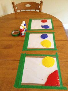 Paint in ziplock bags, taped to table. Great distraction, no mess. Faire l'essai d'écrire son nom avec un coton-tige.