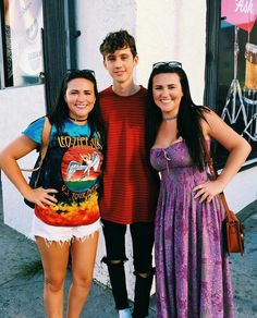 troye with fans yesterday in LA