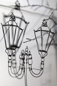 Helaina Sharpley, artist in wirework wall art pieces