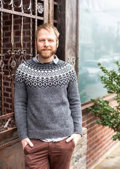 New knitting sweter for men brooklyn tweed 65 ideas Brooklyn Tweed, Fair Isle Knitting, Hand Knitting, Cable Knitting, Knitting Sweaters, Knitting Patterns, Crochet Patterns, Sweater Patterns, Icelandic Sweaters