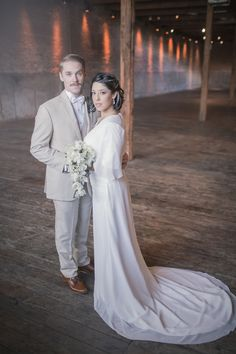 SimplyBridal dress in modern geometric wedding. Photography: Mallory Berry For MGB Photo