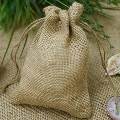 Burlap Favor Bags Wedding Rustic Favor Bag Primitive Rustic Favor Bags with Jute & Custom Tags Showe Rustic Wedding Favors, Wedding Favor Bags, Party Favor Bags, Goodie Bags, Favor Boxes, Wedding Reception, Wedding Decorations, Wedding Ideas, Burlap Favor Bags