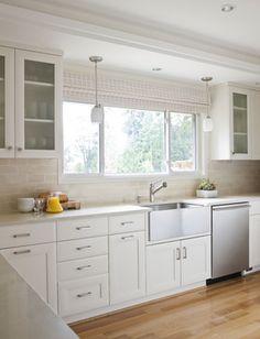 White Kitchen Flooring Design Ideas, Pictures, Remodel and Decor Best Flooring For Kitchen, Best Kitchen Sinks, Kitchen Sink Design, Interior Design Kitchen, New Kitchen, Cool Kitchens, Kitchen Ideas, Kitchen Backsplash, Kitchen Photos