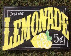 Hand-painted fleur de lis pallet sign by FancifulShenanigans Lemonade Stand Sign, Lemonade 5, Chalkboard Signs, Chalkboards, Lemon Crafts, Lemon Kitchen Decor, Vintage Signs, Vintage Cards, Pallet Signs