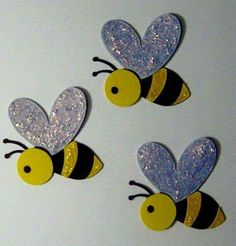 Preschool visual result about bee wall ornaments, . - visual result of preschool bee wall ornaments - Kids Crafts, Preschool Crafts, Felt Crafts, Diy And Crafts, Arts And Crafts, Paper Crafts, Decoration Creche, Wall Ornaments, Bee Cards