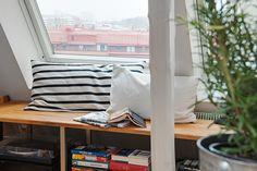 En platsbyggd bänk ger utrymme för vila