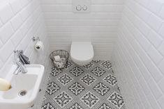 Tegelfloor heeft voor een nieuwbouw woning diversen keramische patroontegels geleverd. Deze zijn gebruikt in de gang, toiletten en badkamers.