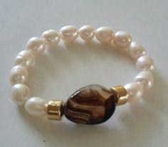 Creaciones Little Flower. Bead Jewellery, Wire Jewelry, Jewelry Crafts, Jewelry Art, Beaded Jewelry, Jewelery, Jewelry Design, Gemstone Bracelets, Handmade Bracelets