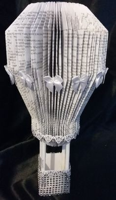 Wedding decorations - HOT AIR BALLOON - easy book folding tutorial. This balloon uses the same fold as the Mouse and Teapot by Alison Russell.