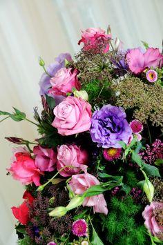 Flowers.  http://chillyfloral.blogspot.com/