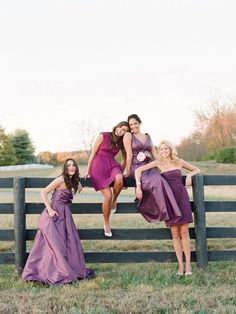 love the casual pose for a group of girls, This would be a great pose for prom
