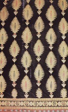textiles - love the pattern against black Design Textile, Textile Patterns, Textile Prints, Textile Art, Color Patterns, Fabric Design, Print Patterns, Pattern Art, Pattern Paper