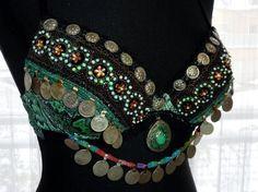 Grüner Tribal-Fusion-Schlagen-BH Gr. 80A von neemaheTribal auf Etsy