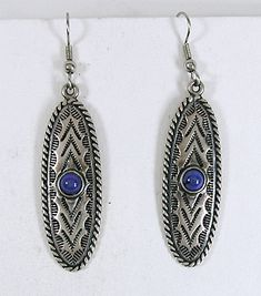 Authentic Native American sterling silver Lapis Lazuli Wire earrings by Navajo artist Anthony Kee Vintage Earrings, Vintage Jewelry, Wire Earrings, Drop Earrings, Native American Earrings, American Indian Jewelry, Western Jewelry, Native American Indians, Lapis Lazuli