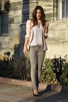 Pink blazer, white shirt n skinny jeans...whats not to love!