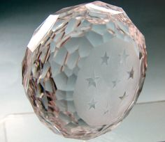 "Hand cut paperweight stars. It is crystal clear with frosted base It  is 2.25"" tall 3"" in diameter and weighs 1.5 lb It is in great condition  no chips cracks or cloudiness, Money back if you are not happy with your purchase NO HASSLE RETURN POLICY Check out my other items! Be sure to add me to your favorites list!    no refund on shipping costs        Froo www.froo.com 