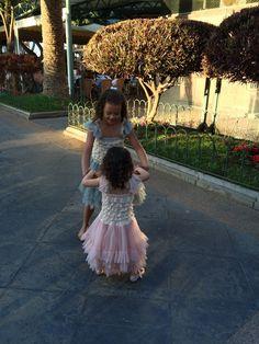 Olivia & Isabelle Presenting Melijoe  