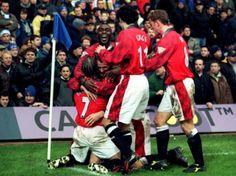 Beckham, Sheringham, Cole, Giggs & Butt celebrate at Stamford Bridge