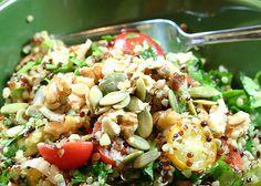 Ταμπουλέ με ντοματίνια και καρύδια