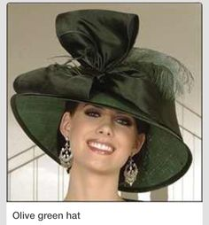 Olive green hat with giant bow. We love large bows! Green Hats, Black Hats, Church Hats, Fancy Hats, Kentucky Derby Hats, Wearing A Hat, Love Hat, Hat Hairstyles, Madame