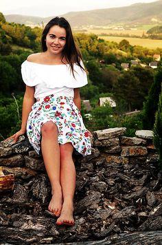 krasavrukach / FOLK suknička Pohodička Folk, Floral, Skirts, Fashion, Moda, Popular, Fashion Styles, Flowers, Skirt