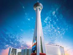 Stratosphere Hotel & Casino - Le Stratosphere Hotel & Casino possède une grande piscine au 8ème étage qui offre une superbe vue sur Las Vegas. Ses chambres modernes sont toutes équipées d'une télévision par câble à écran plat. Adresse Stratosphere Hotel & Casino: 2000 South Las Vegas Boulevard NV 89104 Las Vegas (Nevada)
