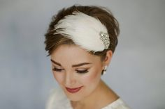 Ava crystal and feather wedding headband - Debbie Carlisle Hats For Short Hair, Short Punk Hair, Short Hair Styles, Pixie Hairstyles, Wedding Hairstyles, Hairstyle Short, Hairstyle Ideas, Fascinator, Feather Headpiece