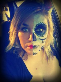 it is simple DIY day of the dead makeup