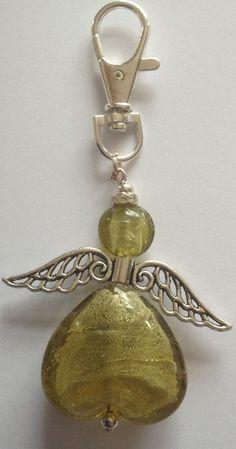 Green angel key ring £3.00 Resin Jewelry, Jewelry Crafts, Beaded Jewelry, Handmade Jewelry, Beaded Bracelets, Jewellery, Beaded Crafts, Beaded Ornaments, Beaded Angels