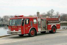 Newport RI FD Engine 6